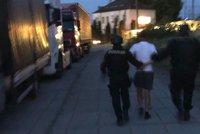Najel do známého autem a pak ho pořezal nožem: Muži hrozí 10 let ve vězení