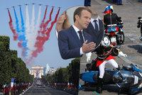 Macron přihlížel sérii trapasů. Den Bastily Paříž oslavila ve velkém stylu