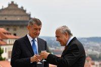 Češi mají jít do důchodu později než v 65 letech, razí Babišův host z OECD