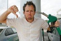 Šoféři si připlatí. Nafta zdražuje, cena za litr atakuje 34 korun