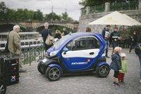 Centrum Prahy brázdí nová multifunkční vozítka. Vyhlašují boj graffiti a nepořádku