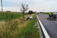 Tragická nehoda v Třeboni: Tři mrtví a šest zraněných po čelní srážce dvou aut