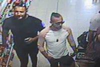 Chlapečkovi (3) poleptali obličej kyselinou. Mezi pěticí obviněných jsou tři Slováci
