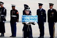 Kim splnil slib: KLDR předala Američanům ostatky padlých vojáků
