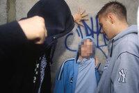 Dětské rvačky v Praze? Většinou jsou nahrané, říká policie. Puberťáci se chtějí zviditelnit