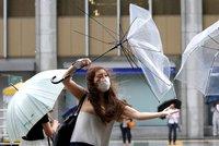 Japonsko čeká úder tajfunu. Ruší se lety, vítr má dosáhnout až 180 km/h