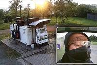 Zloději vykradli sedm tankovacích automatů. Jeden z nich měl na noze sádru a podpíral se berlemi