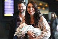 Kojí i během jednání. Premiérka Nového Zélandu promluvila o tom, jak jí dcera změnila práci