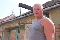 Děda (†83) vládl pevnou ruku: Před domem na Znojemsku postavil šibenici, rodina ji tam nechá