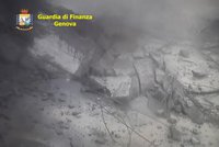 Kamery zachytily osudový moment: Takhle padal most v Janově při smrtícím kolapsu