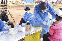 Ebola znovu zabíjí. 50 mrtvých a další stovka případů krvácivé horečky