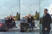 Ku*va, ty ku*do, na koho blikáš: Vulgární policista trestný čin nespáchal, řekl opět soud