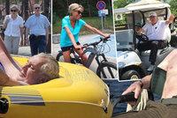 Macronovi u moře, Trump na golfu a Putin na rybách. Hlavy států si užívají dovolenou