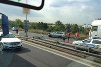 Nehoda blokuje dopravu u letiště: V obou směrech se tvoří kolony