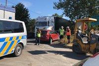 Tragédie u Slaného: Nákladní vůz přejel dělníkovi hlavu, na místě zemřel