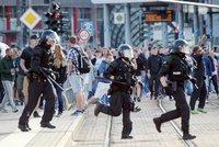 U českých hranic byl další protest kvůli vraždě Němce. Skončil překvapivě
