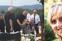 Otevřená rakev a obrázky od synů do nebe. Pohřeb Majky (†33), která zemřela po dlouhém porodu, trhal srdce