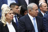 Ženu izraelského premiéra viní z úplatkářství. Policie s tím vyrukovala u soudu