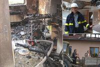 Hasiči shořela střecha nad hlavou: Plameny připravily šestičlennou rodinu o domov