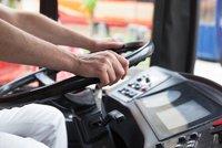 Opilý autobusák (50) vozil cestující mezi Prahou a Brandýsem! Nadýchal dvě promile