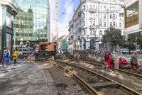 Proč v centru nejezdí tramvaje? Může za to i fušeřina! Na Národní třídu se vrátí v úterý