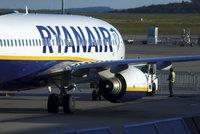 908c3f7ba126a Nekonečný příběh: Ryanair čeká další stávka. Protestovat budou letušky a  stevardi