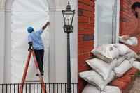 Přípravy na hurikán Florence v USA vrcholí. V cestě má mít i jaderné elektrárny