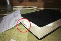 Boží zásah? Po seniorce (82) vystřelili zloději, život jí zachránila Bible