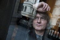 Otevřená výpověď sboristky o Kulínském: Každá se  bála zůstat s ním o samotě
