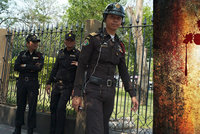 Milionář a jeho thajská manželka zmizeli beze stopy. Na stěnách jejich domu byla nalezena krev
