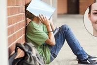 Psycholožka: Odmítnutí novou třídou je děsivé! 7 rad, jak zvládnout vstup na střední!