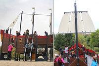 Ve Stodůlkách zakotvila pirátská loď. Pískoviště nahradila čtrnáctimetrová prolézačka
