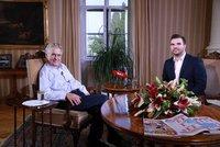 Prezident Zeman živě pro Blesk: V Lánech o Huawei, Palachovi i dotazech občanů