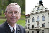 """""""Dnes je Praha 9 pojem,"""" říká její dlouholetý starosta Jan Jarolím. Co říká na projekt vládní čtvrti?"""