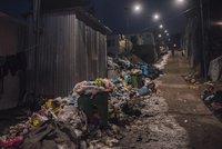 Radši plenu než nechutný záchod. Uprchlíci si zoufají z podmínek v řeckém táboře