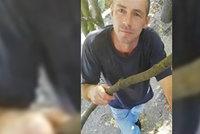 Kolik ti je let? Pojď se projít! Mrazivé VIDEO muže, který osahával na hřišti v Praze holčičku! Natočila ho