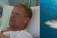 Surfař se ubránil útoku žraloka. Predátora zahnal ranami pěstí do tlamy