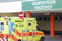 Tragédie na Šumpersku: Dva seniory srazilo auto, žena (†78) nepřežila