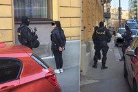 Ozbrojenci v centru Prahy?! Policie zadržela čtyři cizince, na místě zasahuje pyrotechnik