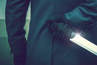 Iráčan zaútočil na Slováka. Vytáhl na něho 2 nože