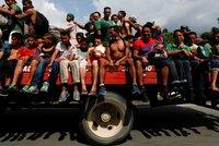"""""""Vypadněte ze země!"""" V Mexiku se bouří proti migrantům mířícím do USA"""
