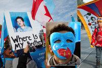 """""""Masové věznění"""" muslimské menšiny v táborech: Čína to schytala na Radě OSN"""