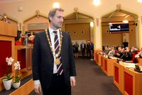 Primátor Hřib skončil, za listopad ve Sněmovně už výplatu nedostane