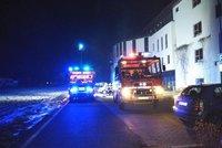 Policisté a hasiči v ústavu u Prahy, kde léčili Babiše mladšího: Zasahovali u požáru
