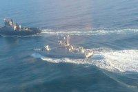 Rusové zabavili u Krymu Ukrajincům tři lodě. Porošenko svolal vedení armády