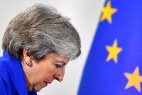Mayová utrpěla další těžkou porážku. Parlament její dohodu o brexitu nechce