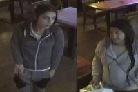 Trojice chmataček řádila v holešovické restauraci: Mazaným fíglem obrala muže o peněženku!