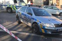Maminku s kočárkem srazilo auto na přechodu! Dítě a žena skončily v nemocnici
