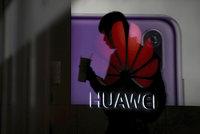 """Google chce """"vyštípat"""" Huawei z Androidu. Dotkne se to i vašeho mobilu?"""