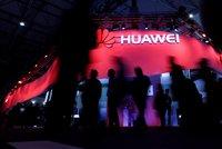 """""""Miluji komunistickou stranu."""" Šéf Huawei poprvé promluvil o špiclování, vinu popírá"""